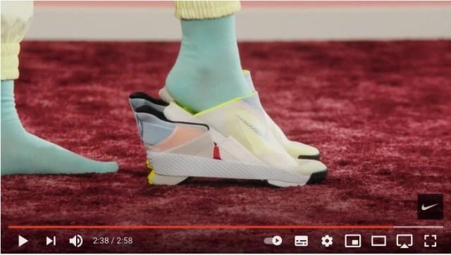 ナイキの「手を使わずに着脱できるスニーカー」が画期的! スリッポンよりスムーズに履けてデザインもクールです