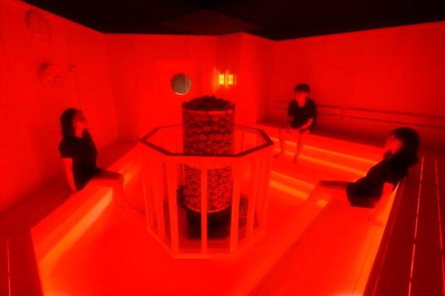 チームラボの「アート×サウナの展覧会」の全貌が明らかに! 個性豊かな7つのサウナ室&冷水浴でとといながらアートで脳を刺激