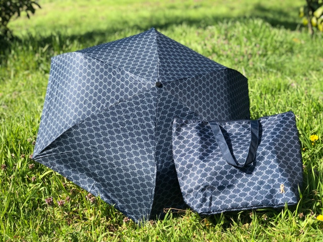 【本音レビュー】「大人のおしゃれ手帖」5月号付録のロベルタ「一級遮光 晴雨兼用傘」は日陰のような涼しさ! 保冷機能付きのトートバッグも優秀です