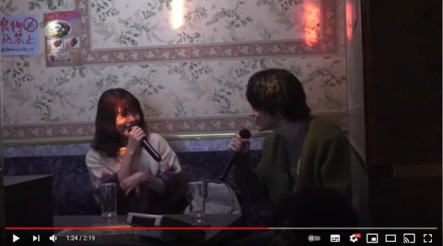 『花束みたいな恋をした』カラオケシーンのメイキング映像がすごい! 菅田将暉の「歌声の演技」と有村架純の歌の上手さに注目