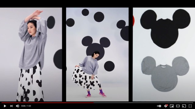のんがモデルを務めるアンリアレイジの「着るミッキー」がユニーク! Tシャツやニットが「ミッキーの顔の形」をしているよ