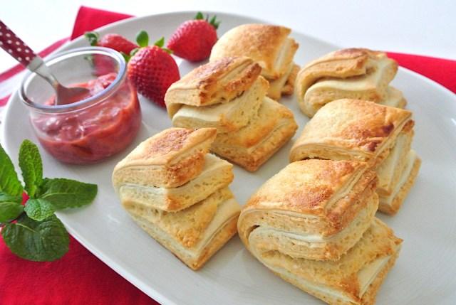 パイシートとホットケーキミックスで作る「クロワッサンスコーン」が超美味♡ バターを使わず簡単にスコーンが再現できるよ