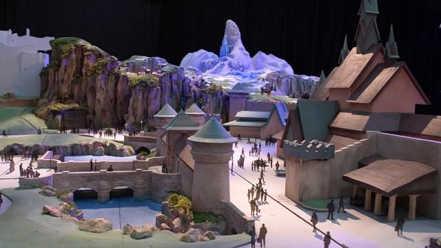 ディズニーシーの新エリア「ファンタジースプリングス」のイメージ動画にワクワクが止まらない! 『アナ雪』の雪山や『ラプンツェル』の塔が再現されてるよ