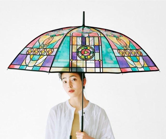 雨の日が楽しくなりそうな「大正ロマンなステンドグラスの傘」が素敵! 和装にも洋装にも似合いそう