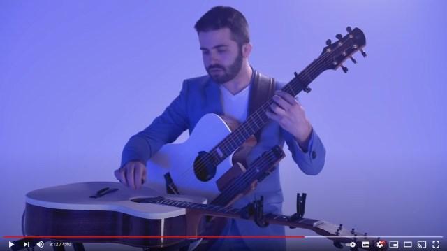 1人で3本のギターを演奏!? 超絶テクのギタリストがレッド・ツェッペリン『天国の階段』を弾く動画が衝撃的…