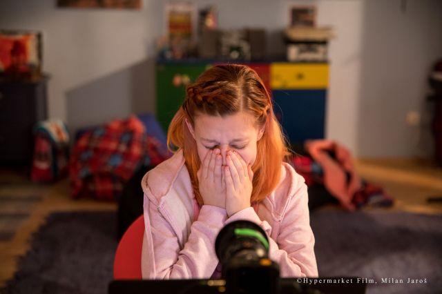 12歳の少女のふりをした女性たちがSNSで直面した事実…衝撃作『SNS-少女たちの10日間-』が暴く卑劣な性犯罪の手口