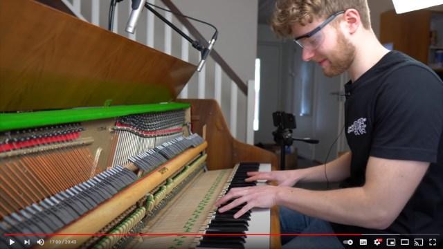 ピアノにリアルなハンマーを取り付けたらどうなる!? ミュージシャンが自らDIYした「ハンマーピアノ」