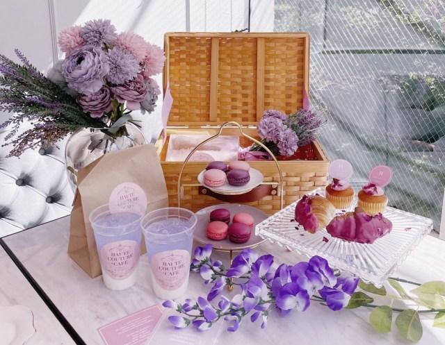 藤の花をイメージした「パープル アフタヌーンティー」がオシャカワ♪ 店内は藤の花が咲きほこっています