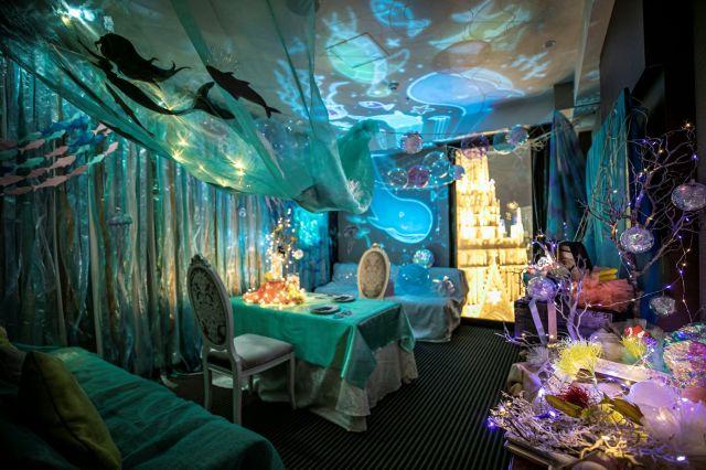 ホテルでマーメイド気分を味わえる!? 童話『人魚姫』をイメージしたデコレーションルームが素敵