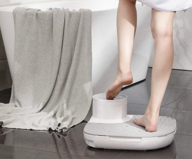 全身を乾かす「ボディドライヤー」がお風呂上がりの新定番に!? 風量モードが増加&体重計機能も加わったよ