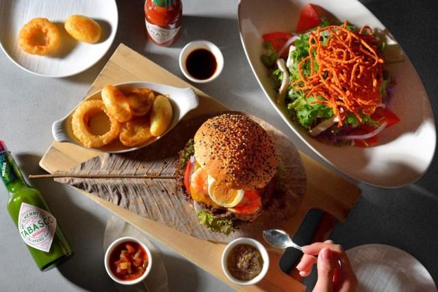 ホテル椿山荘東京に「タバスコ」とのコラボメニューが登場! ゴージャスなバーガーやタバスコのスイーツなど