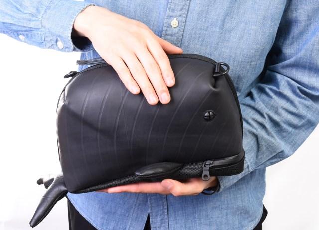 捨てられるはずのタイヤがクジラ型のバッグに生まれ変わる!? ディスカバリーチャンネルとコラボしたショルダーバッグがかわいい♪