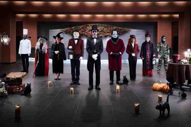 モンスターたちが働くホテルに大変身!? 星野リゾートのハロウィンが本気を出している…魔女やドラキュラが迎えてくれます