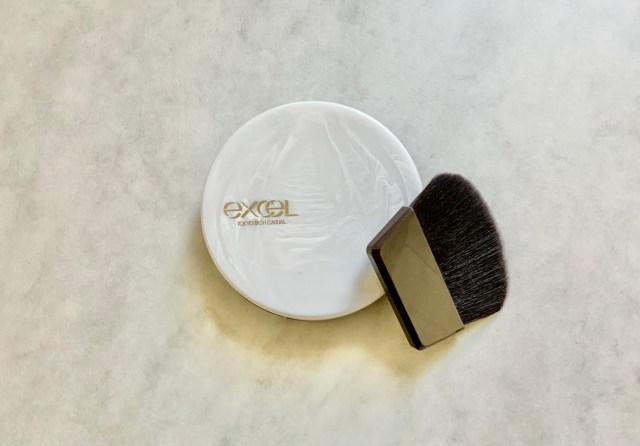 ツヤ肌派は必見!エクセル新作「ラスタリングシアーパウダー」がパウダーなのに自然なツヤ肌に仕上げてくれます