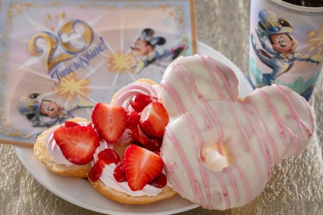 東京ディズニーシー20周年を記念して「ミッキー型ドーナツ」が発売されたよ! お祝いムードたっぷりな「キラキラ仕様のチュロス」も販売中
