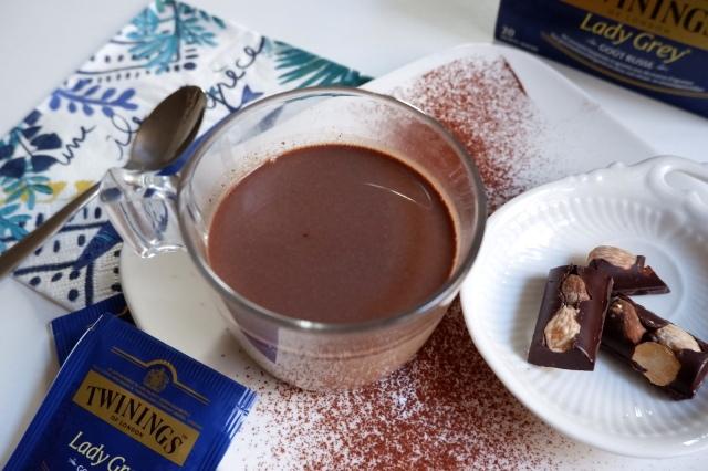 紅茶とチョコを混ぜて完成する「ホットチョコレートティー」がホテルのような美味しさ…作り方は超カンタンです!