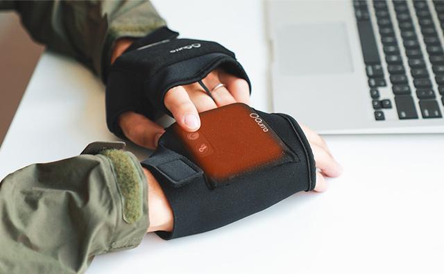 冷え性を救うワイヤレス温熱手袋「すぐぬっく2」が使えそう! 洗濯可能でペンなども持ちやすく改良されています