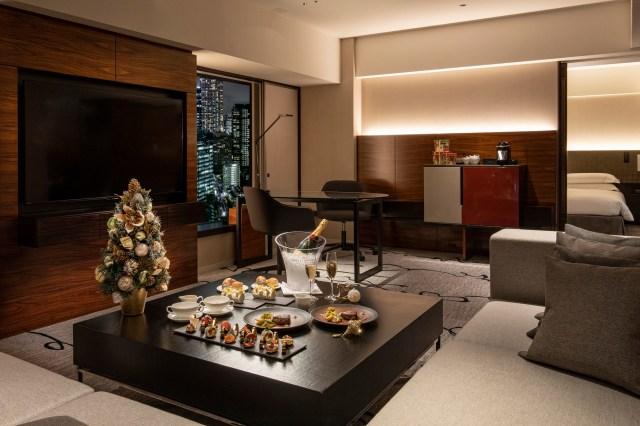 ヒルトン東京に「スイートルームにひきこもれる」クリスマス宿泊プランが登場! 誰にも邪魔されずにディナーを楽しめるよ