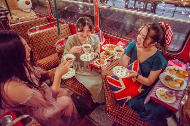 1960年代のロンドンバスで都内を周遊! 車内でアフタヌーンティーを楽しめるイベントが開催されるよ