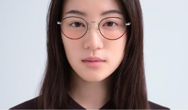 メガネをかけるだけでメイク顔に! JINS新作「チークカラーレンズ」が凄い! 全3色のレンズで好きなフレームと作れるよ